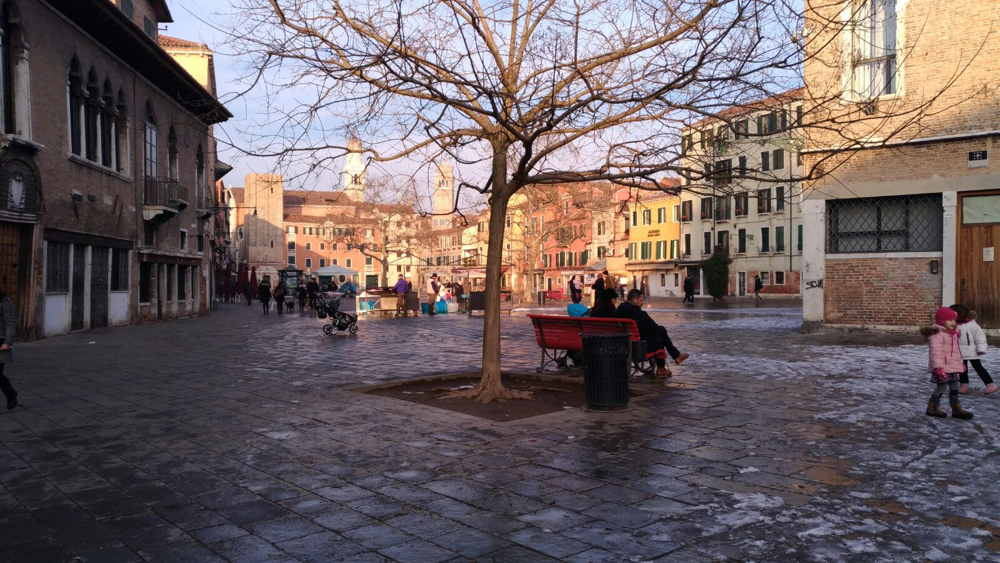 Venice Art Daywar Remem Nce